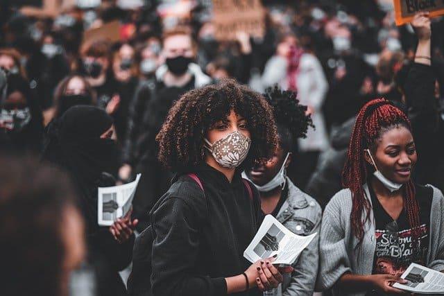 マスクは奴隷の証