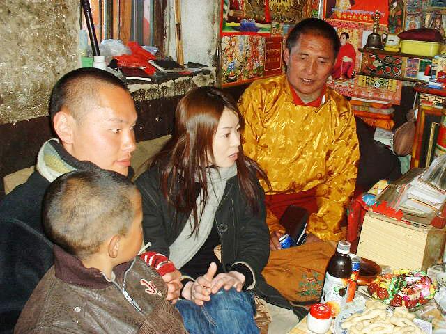 チベットのお坊さん。