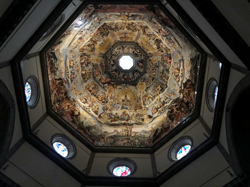 「最後の審判」が描かれたドーム型の天井