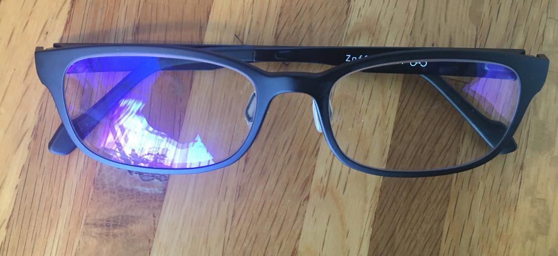 在宅勤務で使うべき便利アイテム②:ブルーライトカットメガネ