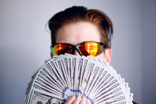 サラリーマンはお金持ちになれない件【悲報】|科学的に証明済