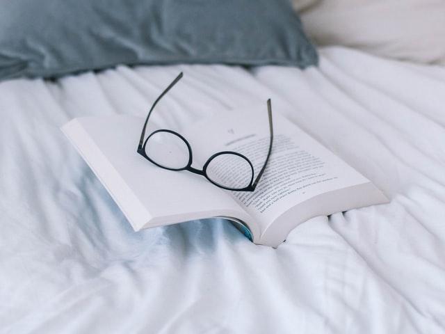 「本が高い」と思う人にオススメな方法3つ【節約】