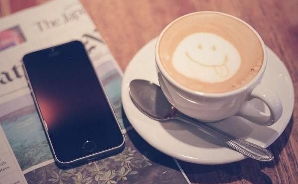 スマホ&コーヒー