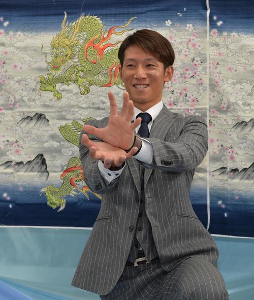 広島西川「見栄えいい」タイトル獲得で3割突破誓う