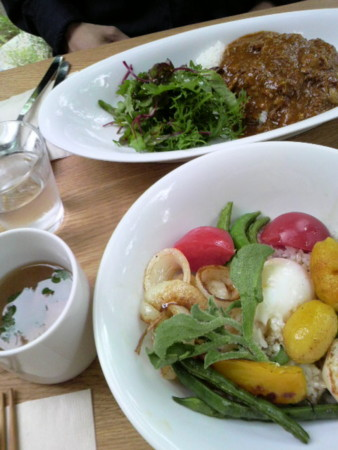 cafe kaeruでお昼食べた。おいしかったです。