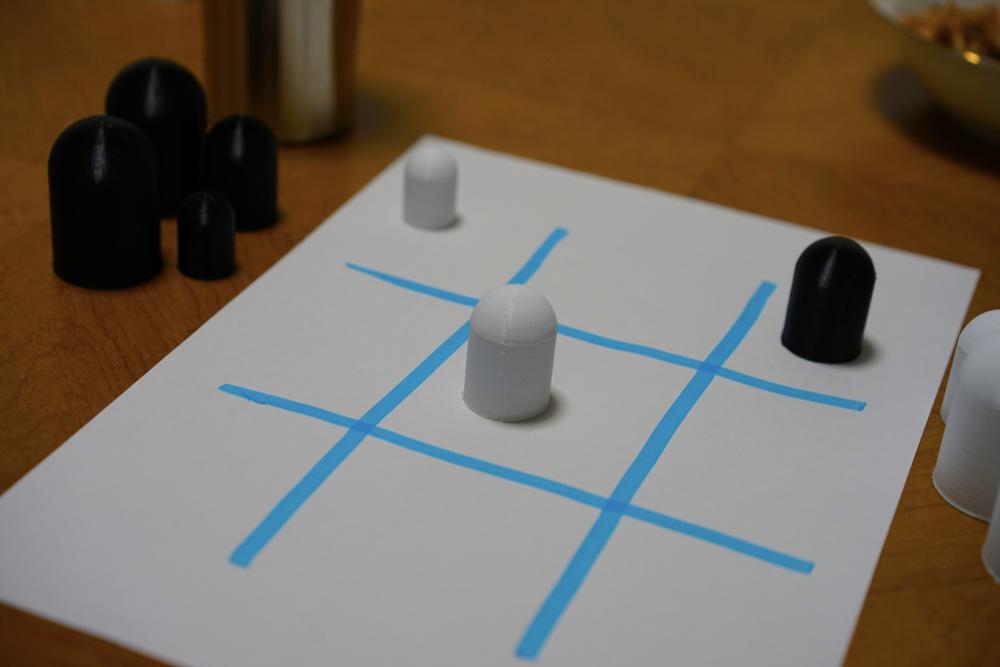 手作りボードゲームで遊ぶ
