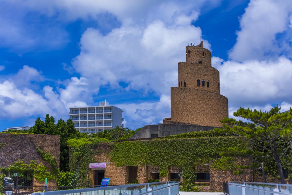 沖縄「熱帯ドリームセンター」水没した古代遺跡感にラピュタの世界観