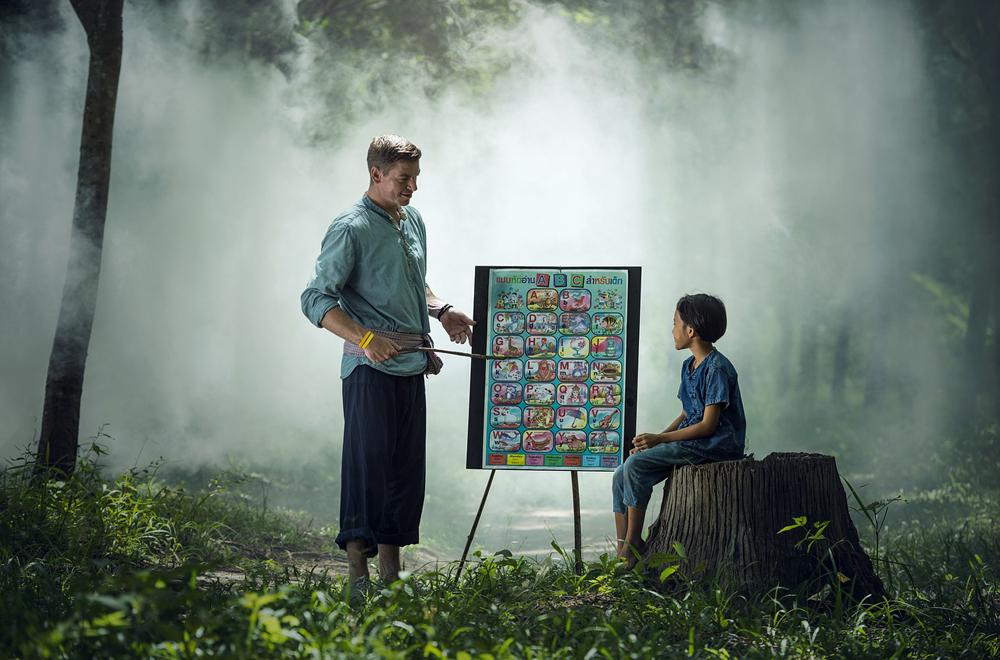 先生と生徒の授業風景