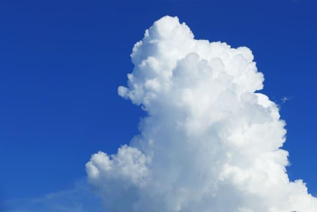 積乱雲 入道雲 は雷雨の兆し