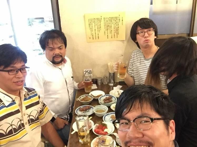 nakaneさん、magiさん、toofuさん、oujiさん、abeの食事中の様子