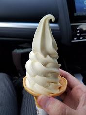 りんごのソフトクリーム