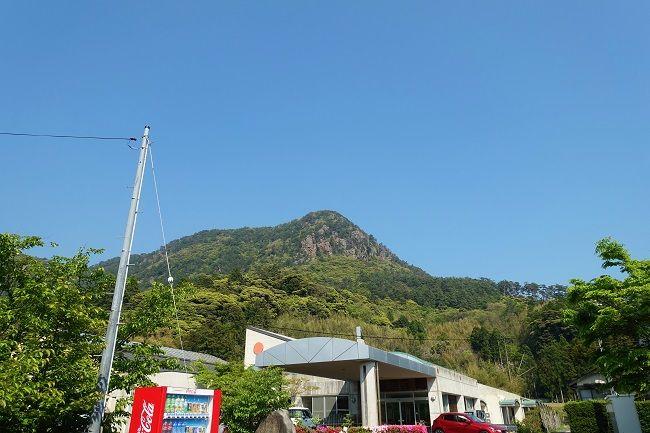 登山後に見上げた高田山
