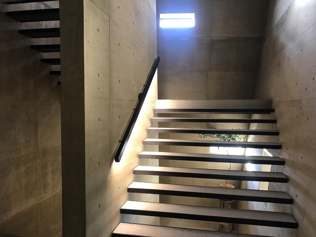 セトレの館内階段