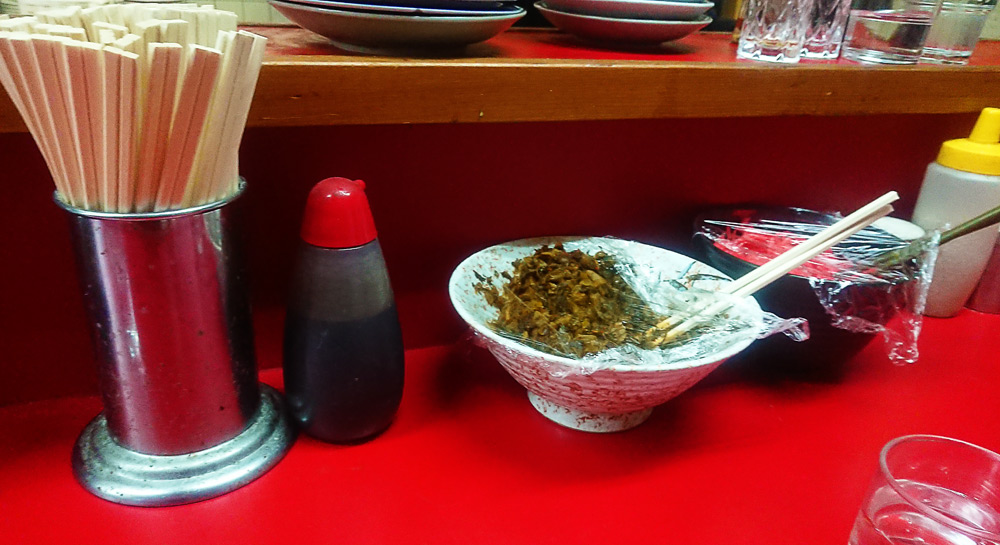 テーブルにある「辛し高菜」