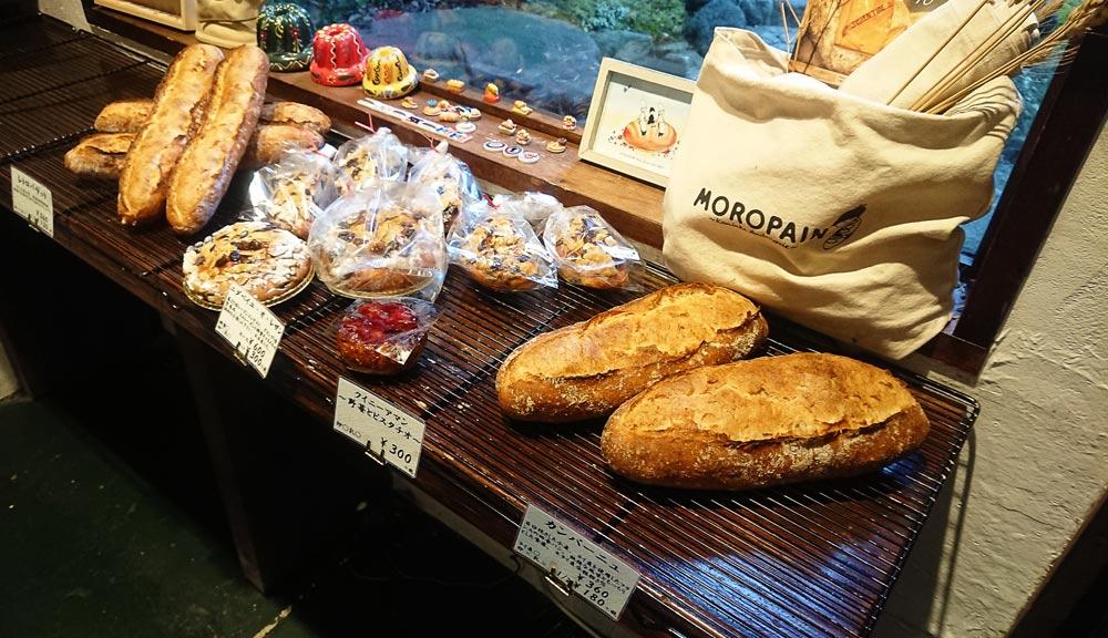 パンの種類も豊富