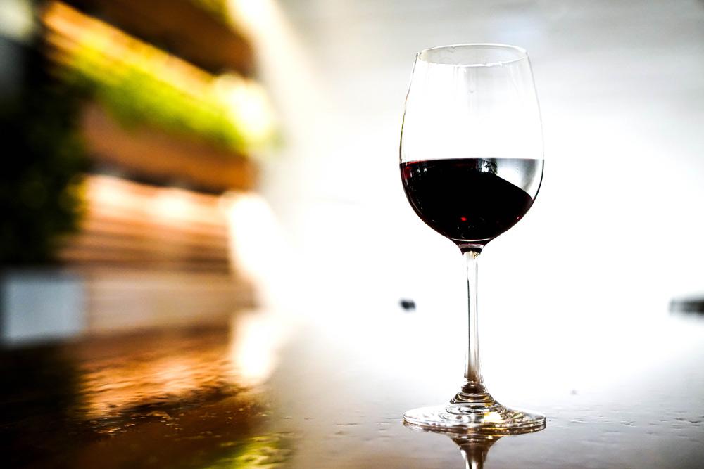 コレステロールを下げる「赤ワイン」