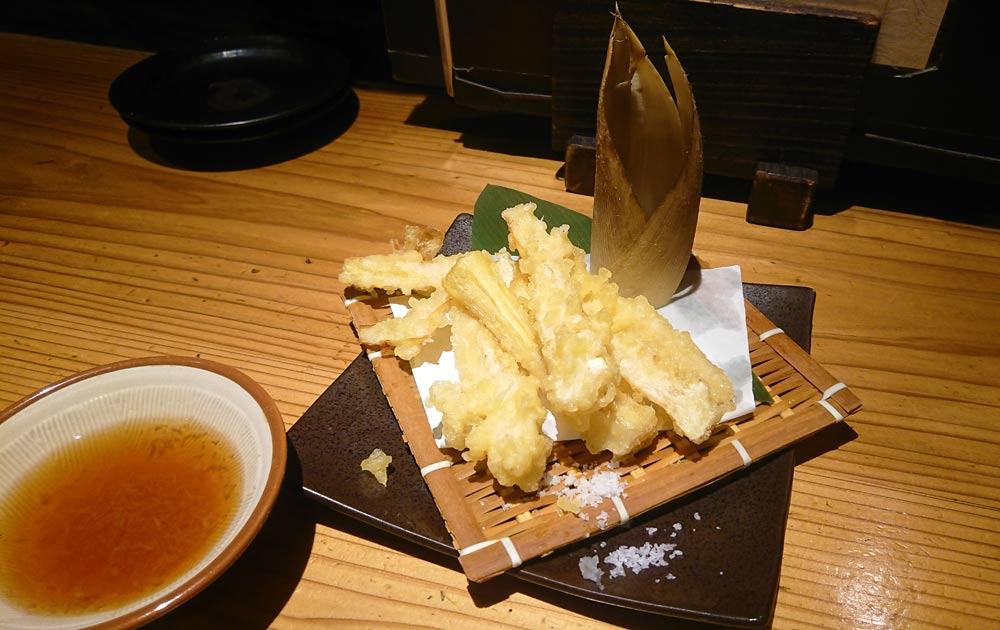 今回は「タケノコの天ぷら」を注文
