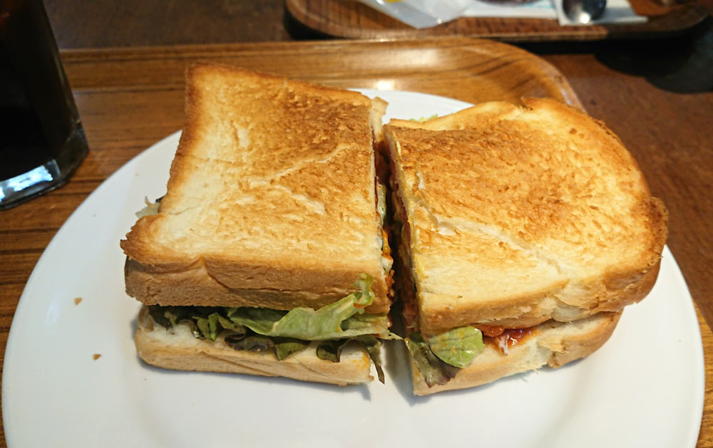 サンドイッチは二等分