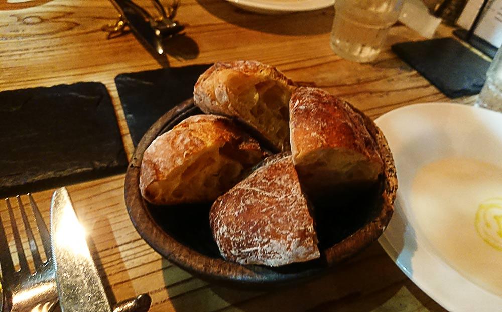 最初にパン