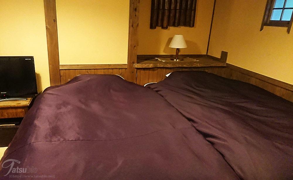 こちらはベッド