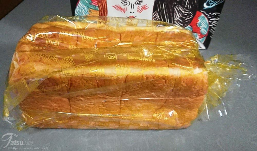 中身の食パン