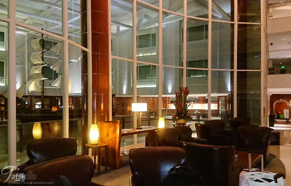 ホテルフロント