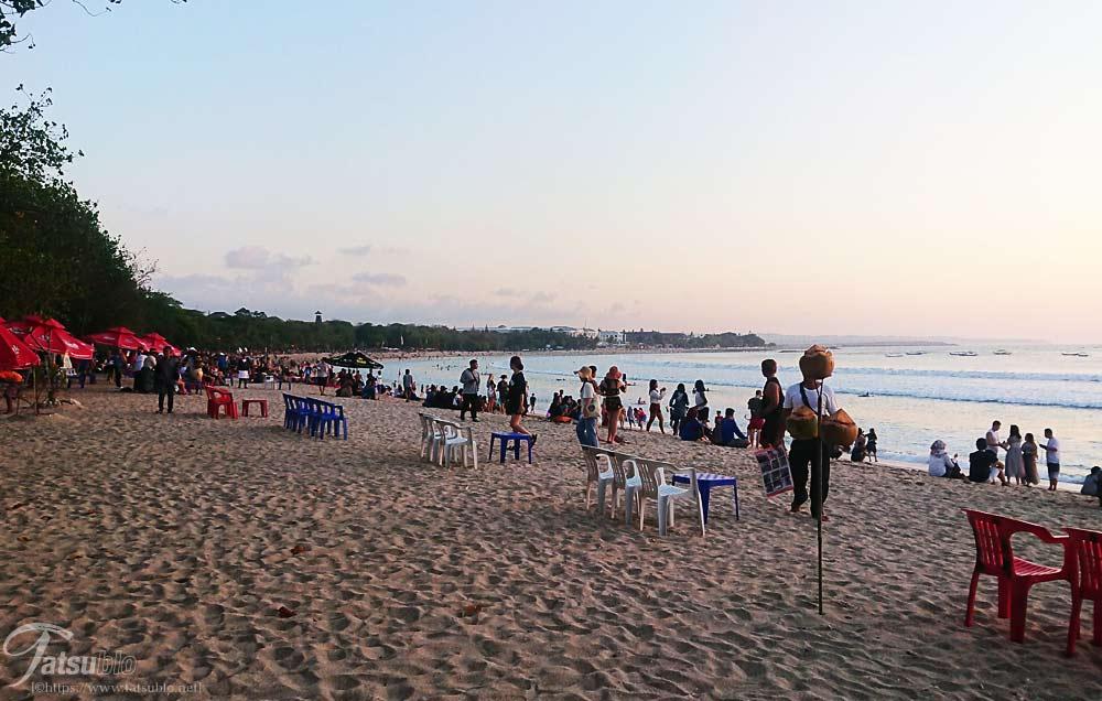 夕暮れのクタビーチ