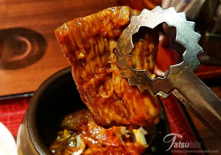 壷漬け焼肉ランチの肉アップ