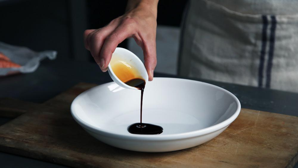 東北を含む東日本では、ほぼ濃口醤油が使われる