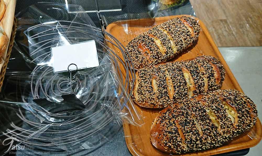 パンの種類も豊富でソフト系が多い