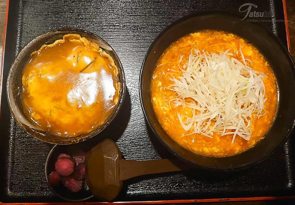 ちなみに奥さんが注文したのは、「わがままセット」の麺は「担々麺」にミニ丼は「ミニカニ玉丼」。