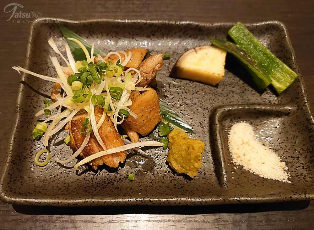 そして、「博多山尾の炉端焼き肉・野菜二種」の肉料理。