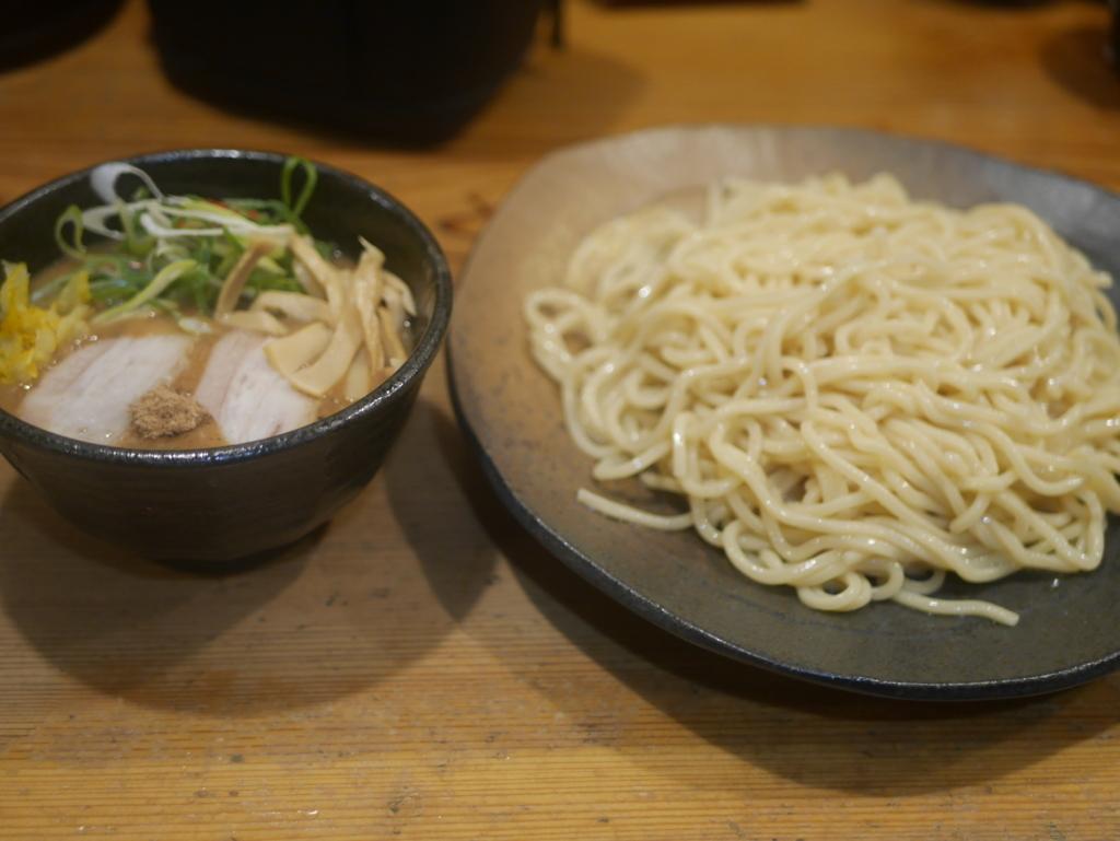 名古屋ラーメンランキング27位つけ麺本丸の濃厚魚介つけ麺