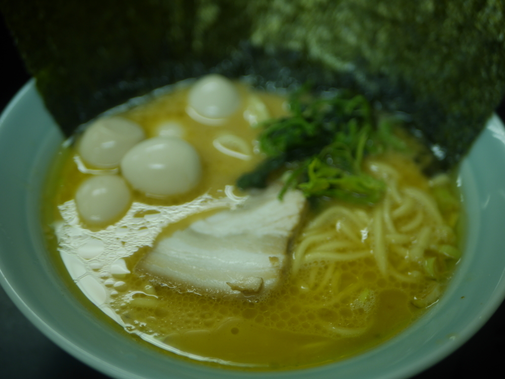 名古屋ラーメンランキング15位萬来亭の醤油豚骨ラーメン