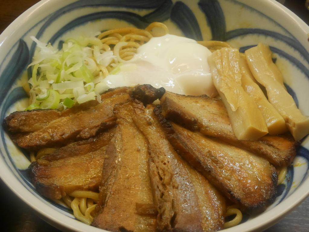 名古屋ラーメンランキング28位豆天狗の肉盛り油そば