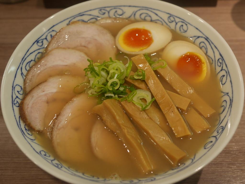 名古屋ラーメンランキング9位拉ノ刻の醤油ラーメン全部のせ