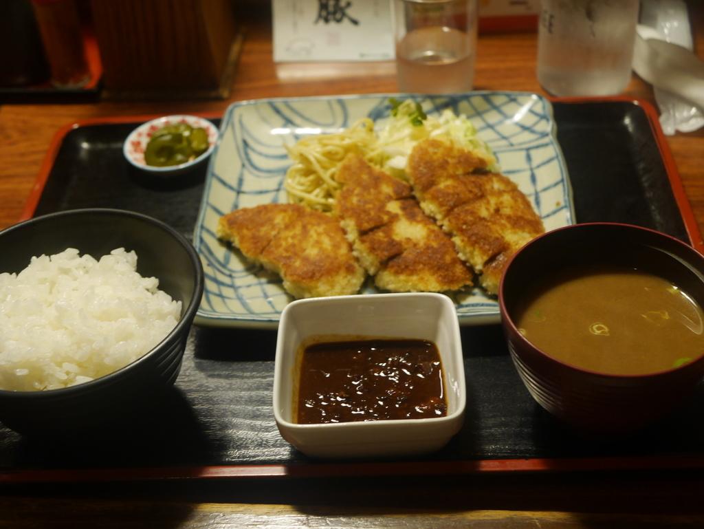 名古屋にあるキッチンたいらの味噌カツ