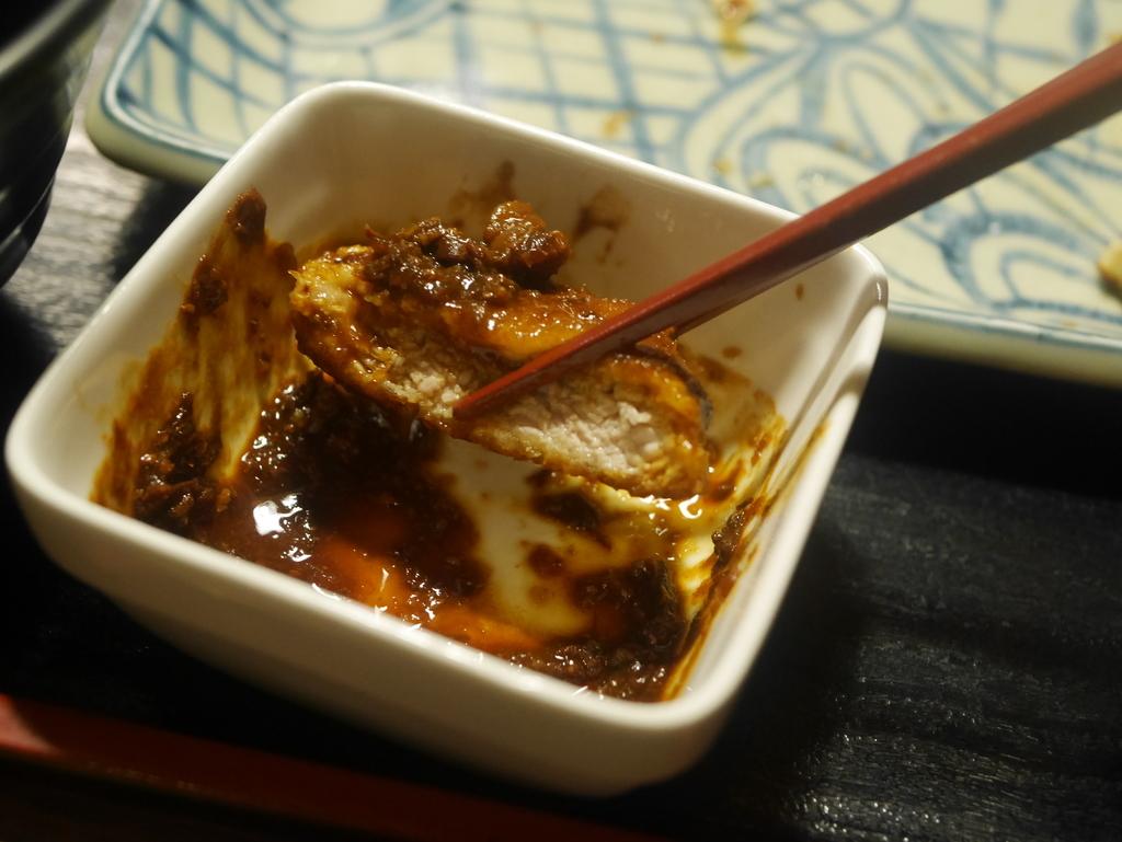 今池にあるキッチンたいらの焼きとんかつ味噌ダレ