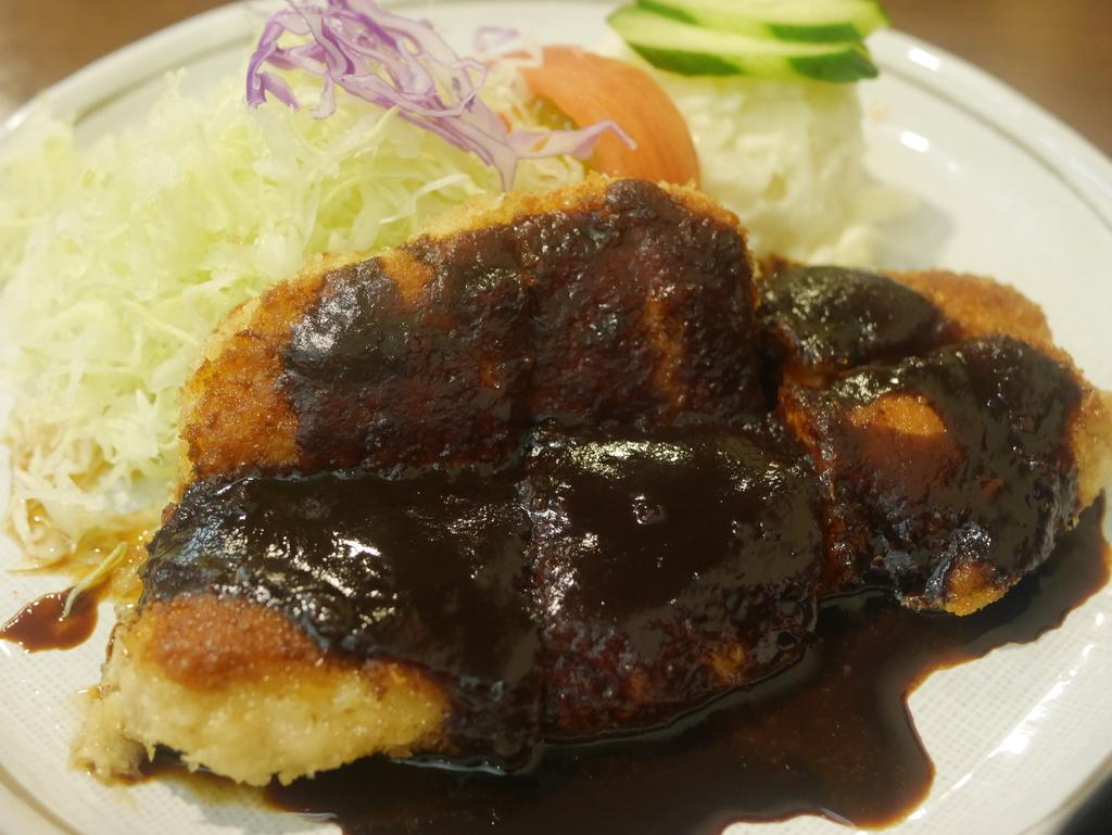 名古屋にあるとんかつオゼキの味噌とんかつ