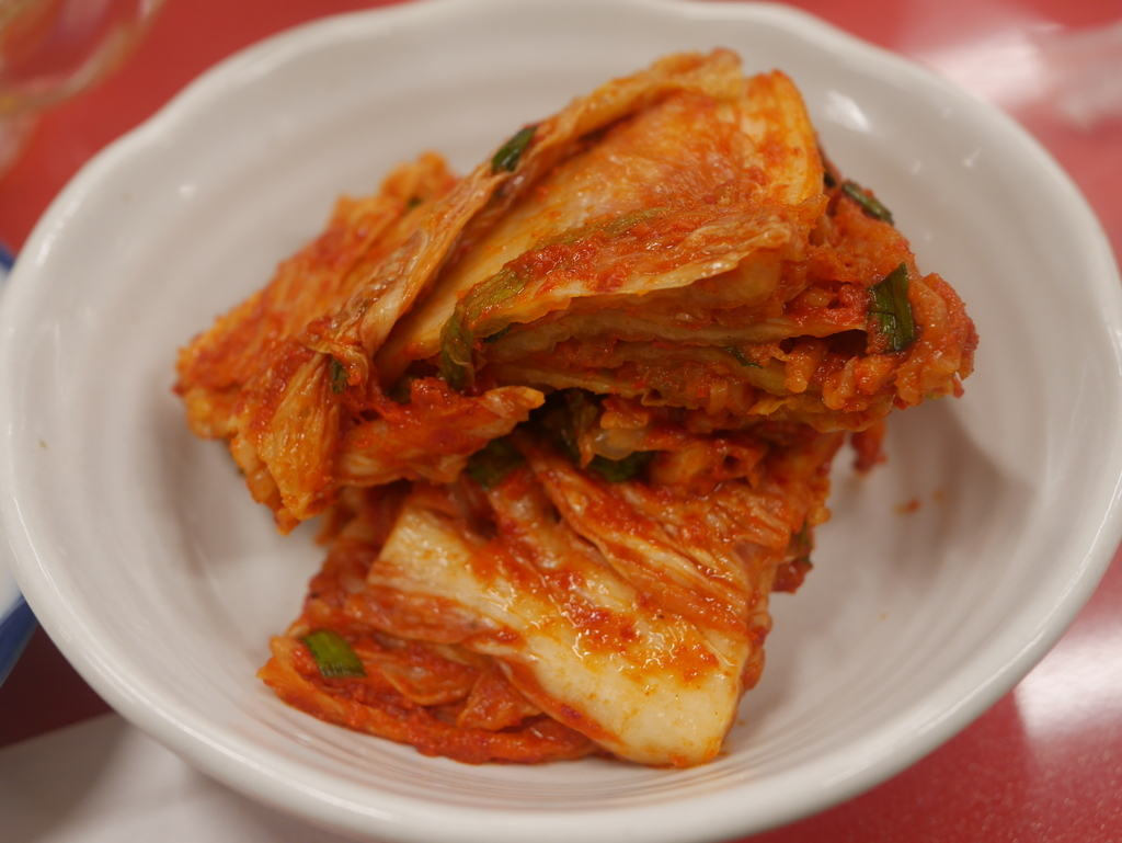 名古屋駅近くにある焼肉アジェの白菜キムチ
