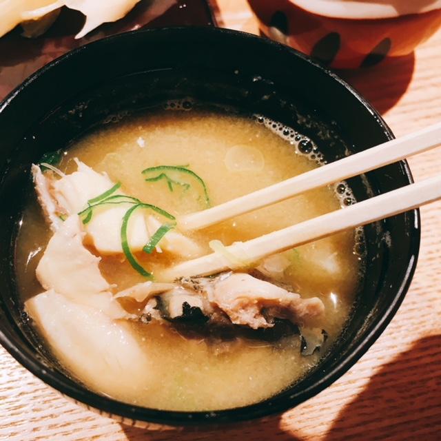 大名古屋ビルディングにあるお寿司屋さん男前酢のあら汁
