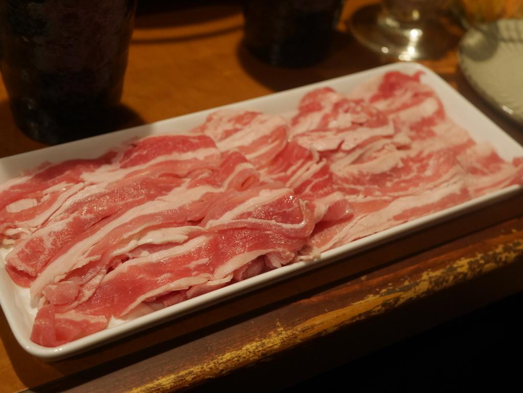 栄にある居酒屋織田信長の台所の黒毛和牛と名古屋コーチンのすき焼きが食べ放題コース