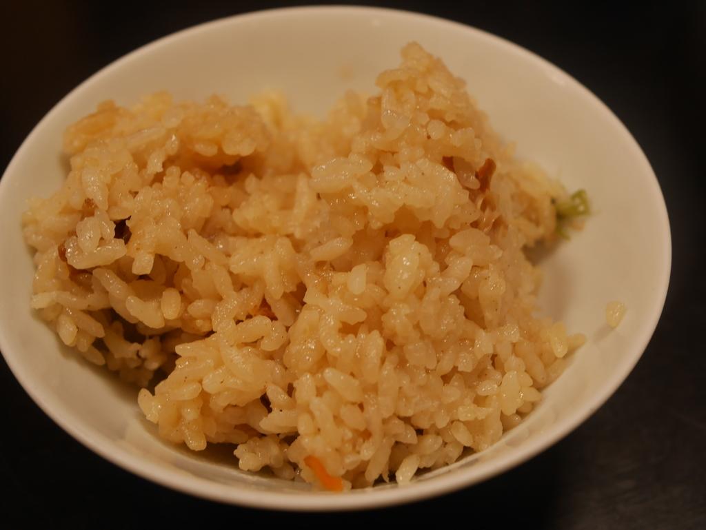 近江牛と松茸食べ放題のあばれ食いで有名な魚松の松茸ご飯