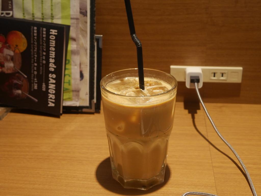 名古屋駅近くで電源・Wi-Fi完備のカフェバリーズのドリンク