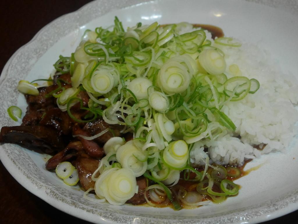 名古屋市中川区にあるラーメンかいすいの純レバー丼