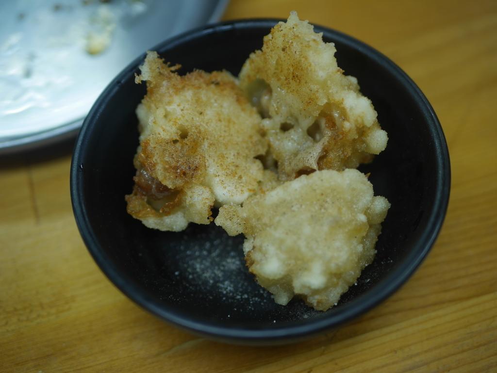 名古屋駅近くにある立ち飲み居酒屋立陣のホルモン天ぷら