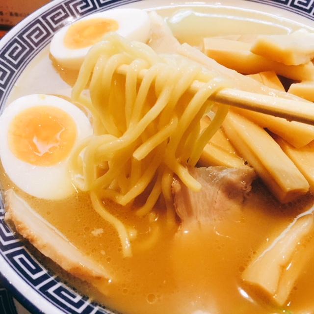 名古屋市丸の内にあるラーメン屋蔘好来のラーメンの麺
