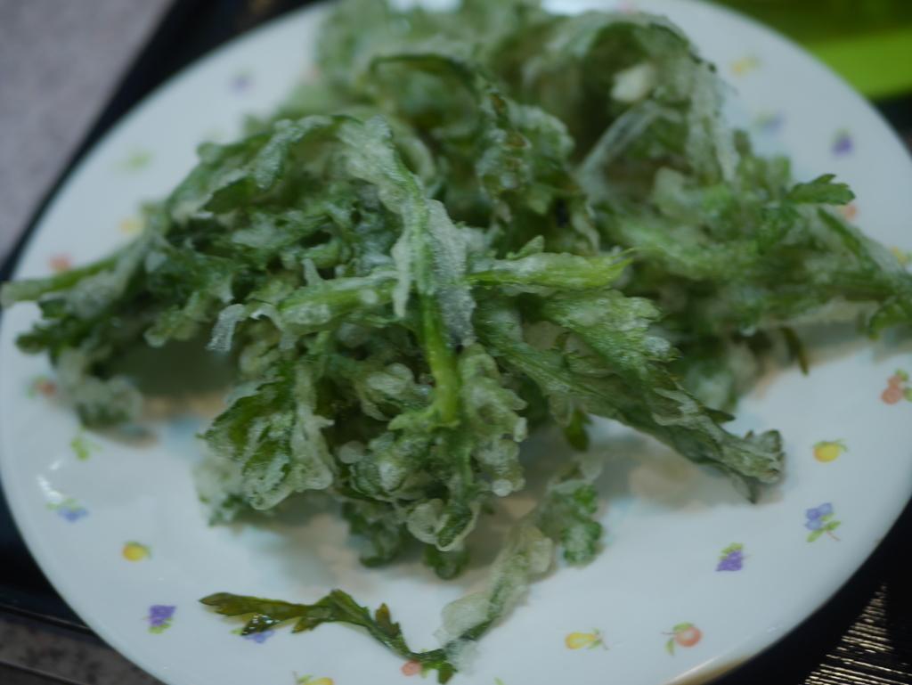 名古屋の新栄町にある味噌煮込みうどんのお店吉野屋の春菊天