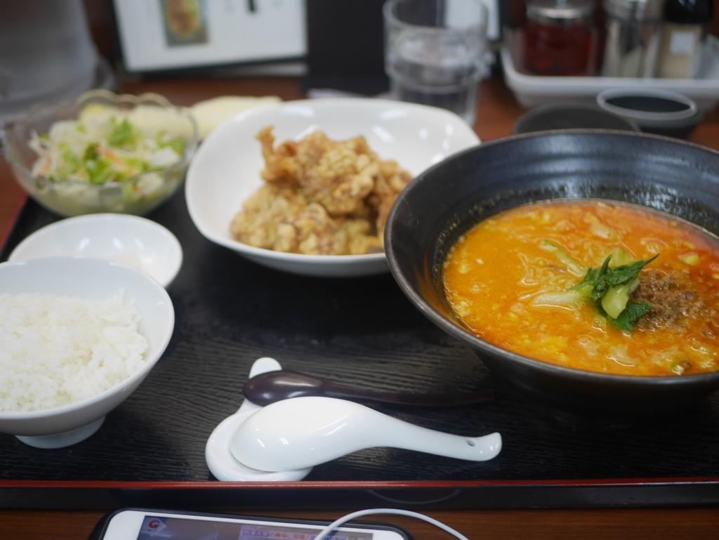 名古屋駅から徒歩7分の場所にある杏亭の担々麺ディナーセット