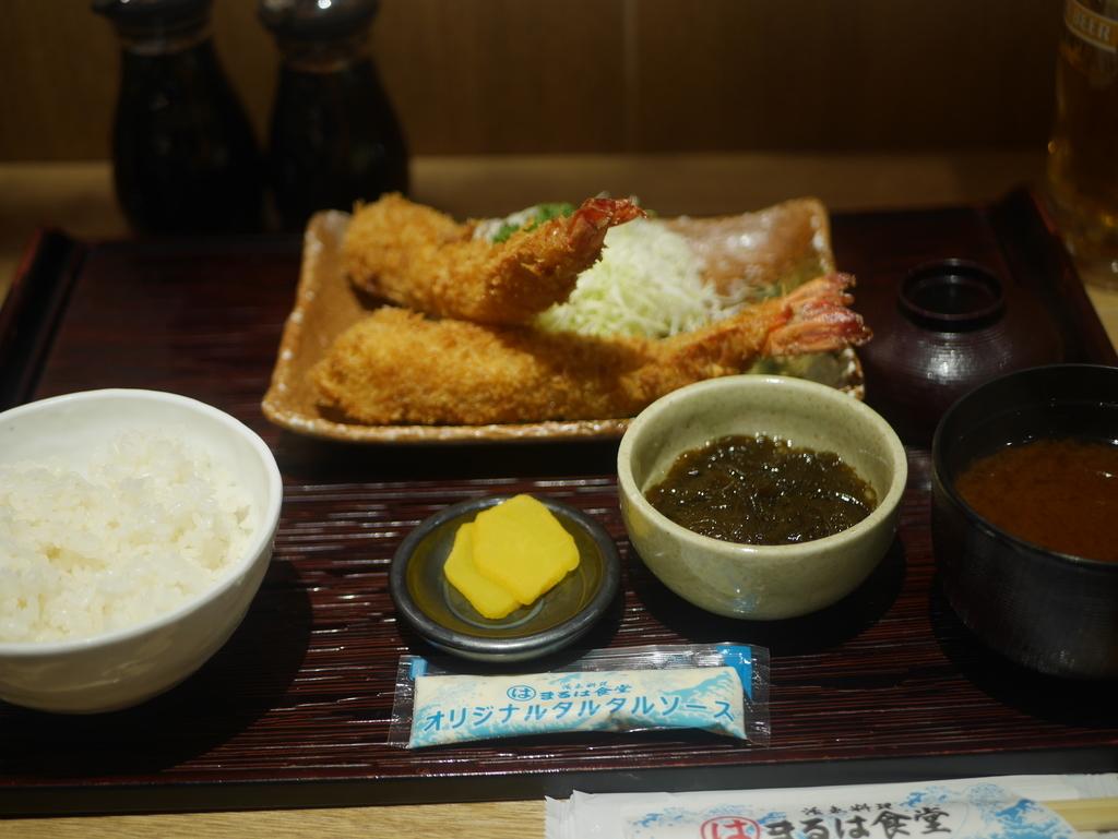 名古屋駅にあるエビフライの美味しいお店まるは食堂のエビフライ定食